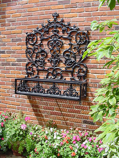 Perpetua Iron Garden Products