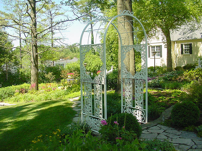 Exceptionnel Trellis 5. Garden Archway With Cast Iron Designs.